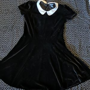 Hot Topic Black Velvet Peter Pan Collar
